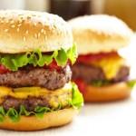 Consumare troppa carne rossa e poche verdure aumenta l'età biologica del corpo
