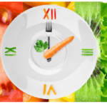 """Crononutrizione: """"quando"""" si mangia è importante tanto """"quanto"""" si mangia"""